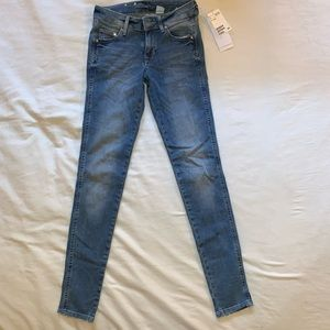 NWT size 25 H&M Super Skinny Jeans
